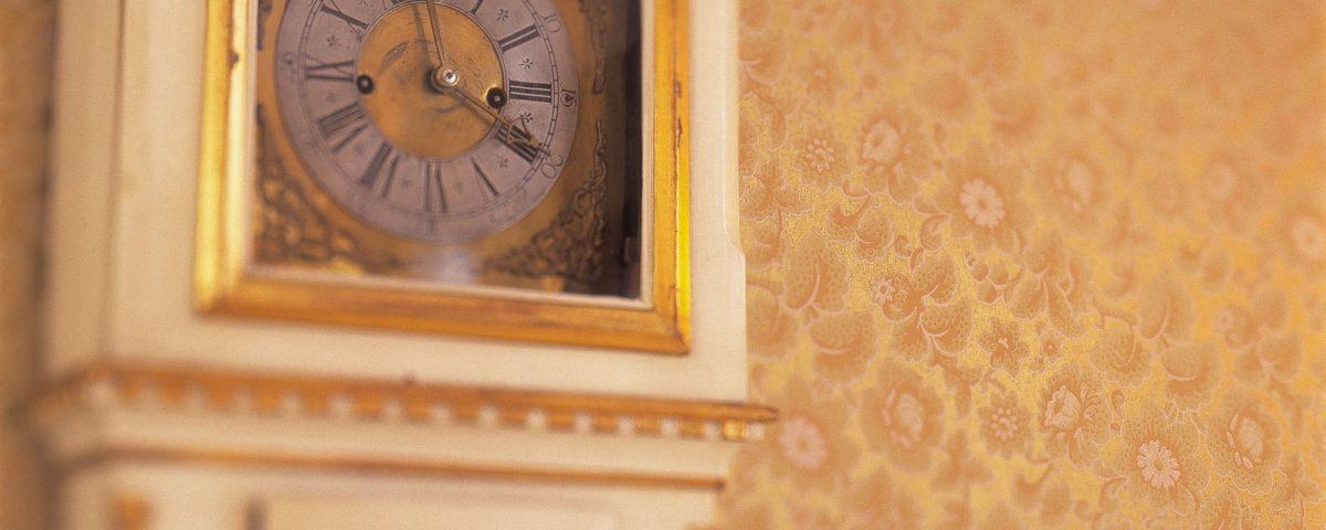 Antikk klokke i gamlegodset på Losby Gods