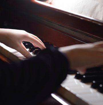 Pianoentertainer, Musikk og underholdning på Losby Gods