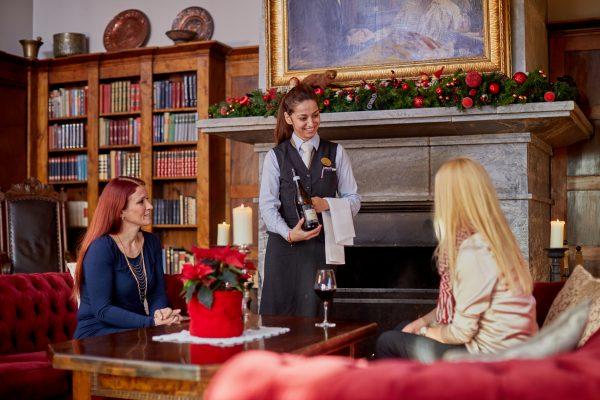 Jul i biblioteket på Losby Gods